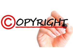 Docenti: niente film né libri personali in classe, pericolo copyright