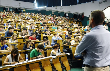 Firenze, docenti universitari in rivolta: a rischio gli esami di settembre