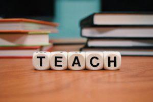 Lavori in ambito formativo: il professore universitario, cosa fa, come diventarlo