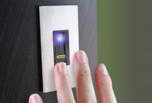 Dipendenti Pubblici, addio cartellino: impronte digitali e controllo iride, ecco le novità