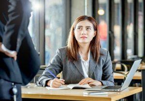 Lavoro: donne meno soddisfatte anche per via delle differenze con gli uomini