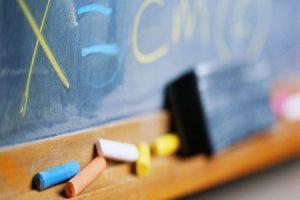 Legava gli alunni alle sedie,condannata maestra nel Casertano