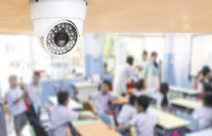 """Telecamere a scuola: I presidi lanciano l'allarme """"Nessun fondo, pagheranno i genitori"""""""