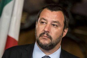 """Scuola, Salvini propone """"Crediti formativi agli studenti che donano il sangue"""""""