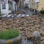 Arzano: Tragedia sfiorata crolla il muro di recinzione di una scuola