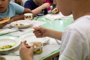 Ispezioni dei Nas nelle mense scolastiche di tutta Italia: sospese 21 società