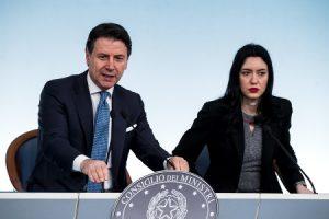 Conte: Oggi Conferenza Stampa sulla Scuola Diretta Streaming Facebook da Palazzo Chigi