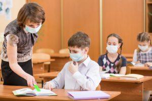 Covid: L'importanza dei dispositivi sanitari a scuola per Docenti e Studenti