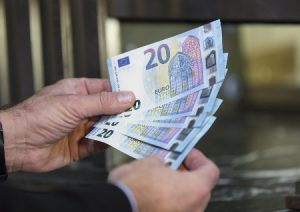 Pagamento pensioni marzo 2021 in anticipo: il calendario per il ritiro in Posta