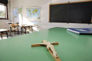 """Crocifisso a scuola in aula: la Cassazione """"non è un atto discriminatorio"""""""