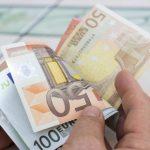 Stipendio Docenti, aumento di 100 euro, ma non bastano, sindacati chiedono più fondi